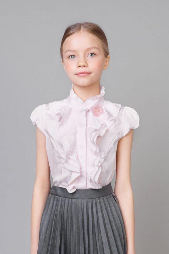 Блузка с оборками и коротким рукавом
