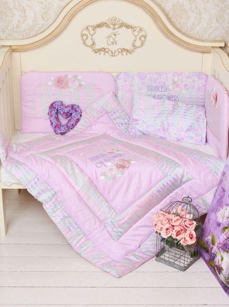 Одеяло стеганное с вышитыми цветами